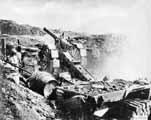 Canon de 120L mle 1878 ведет огонь по противнику
