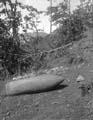 Неразорвавшийся снаряд от 305-мм гаубицы