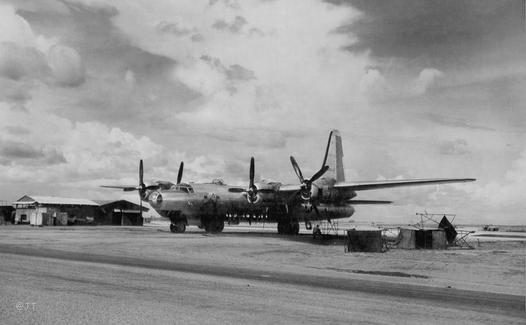 "Consolidated B-32 ""Dominator"