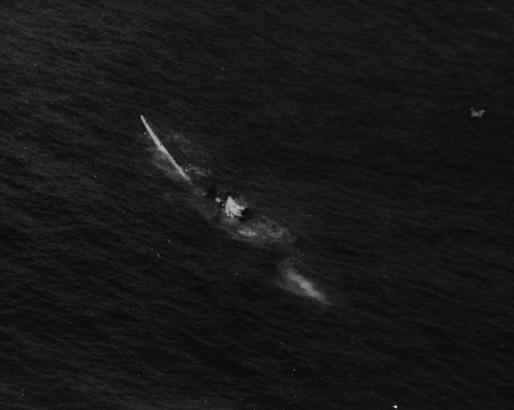 подводная лодка U-515 идет на дно ВОВ