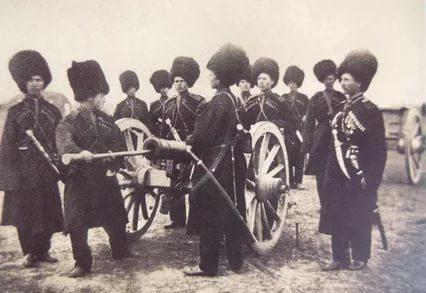 Взвод казаков с винтовками