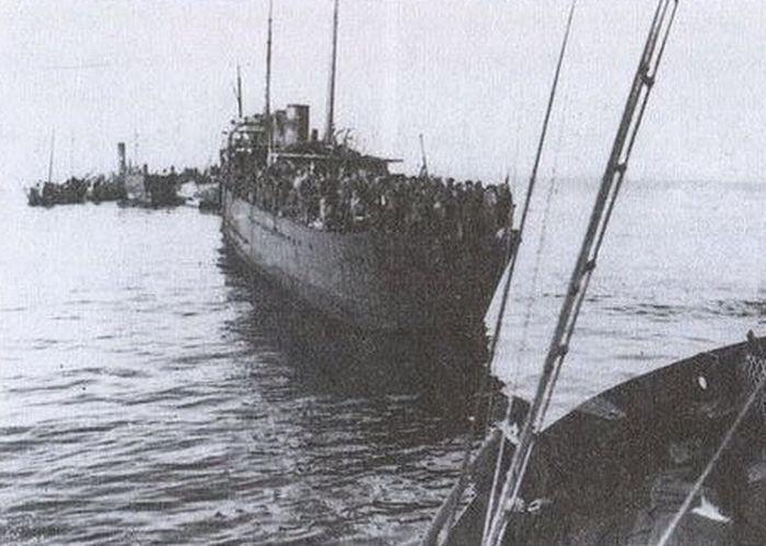 Две недели маялись еще атаманцы на пароходе